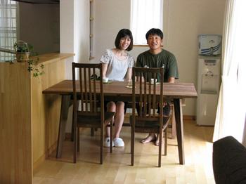 シャルドネのダイニングテーブル.jpg